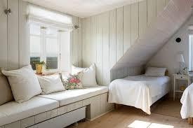 chambre avec lambris blanc lambris bois blanc inviter le style cagne chic à la maison