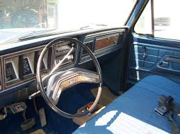 make ford model f250 year 1978 exterior color blue interior