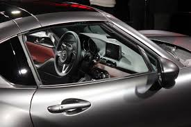 mazda motor mazda puts a lid on it new mazda mx 5 rf revealed at 2016 new