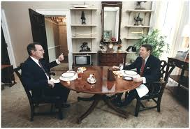 Desk In Oval Office by Office Design George Bush Oval Office George Bush Oval Office