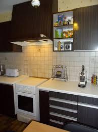 meuble cuisine violet repeindre meuble cuisine avec peinture pour meuble gripactiv v33