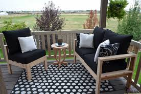 Plans For Outdoor Patio Furniture by Remodelaholic Building Plans Patio Table With Built In Drink