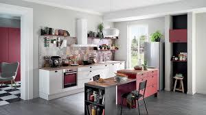 plan de travail cuisine cuisinella cuisine cuisinella blanche et avec plan de travail en bois