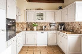 faience cuisine rustique awesome cuisine peinte en beige pictures matkin info matkin info