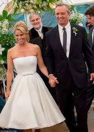cheryl hines and bobby kennedy u0027s wedding pictures from cape cod