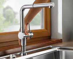 robinet cuisine sous fenetre mitigeur spécial fenêtre à douchette amovible blancolinus s f finish