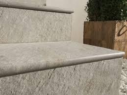 piastrelle x esterni piastrelle per gradini pavimenti esterno tipi di piastrelle