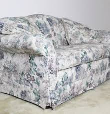 sealy floral loveseat with matching decor pillows ebth