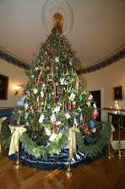 white house christmas tree 2011