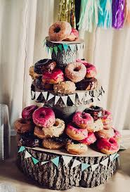 cheap cakes 17 cheap wedding cake ideas for brides on a budget
