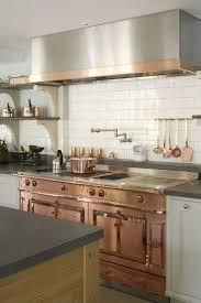 cuivre cuisine chaleureuse et invitante la touche cuivrée se réinvente