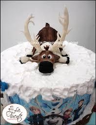 pastel de frozen con sven hecho de chocolate para modelar