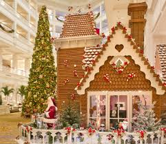best christmas decorations 5 hotels with the best christmas decorations huffpost