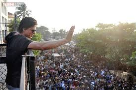 bmc begins demolition outside shah rukh khan u0027s residence mannat