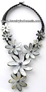 black shell necklace images Mother of pearl shell necklaces bali indonesia baliaccessory jpg