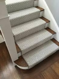 treppe teppich treppenteppich pastellfarbe dezentes muster bevorzugte wahl