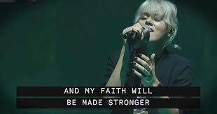 live performance of oceans from hillsong united at