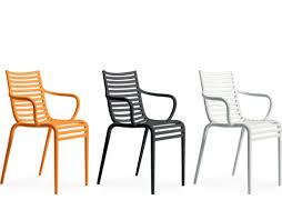 chaise jardin plastique des chaises outdoor originales pour agrémenter terrasses et jardins