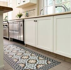kitchen vinyl flooring ideas vinyl floor for kitchens manvsmagic com