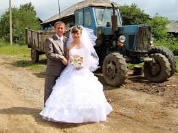 russian wedding 25 photos from russian weddings 12 made me cringe so