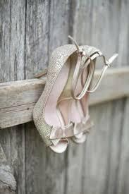 chaussures argentã es mariage chaussures à talon en cuir beige et doré pastelle brandalley
