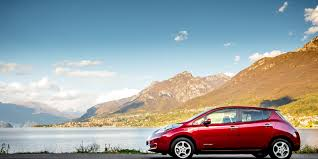 nissan leaf electric car review nissan leaf review carwow