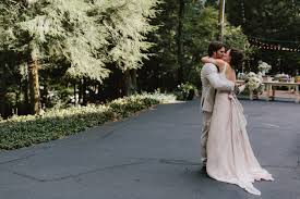Small Wedding Venues In Michigan Kelsey And Ryer U0027s Backyard Farm To Table Michigan Wedding