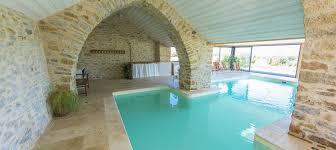 chambre d hote avec piscine int駻ieure maison hôte piscine couverte chauffée aveyron sud millau