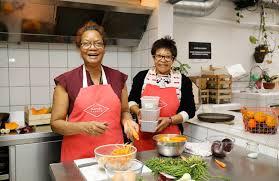 mamie cuisine les grands mères en cuisine chez mamie foodie le traiteur au goût