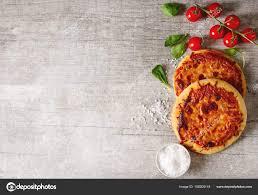 id cuisine simple mini margarita pizza food simple background fast food