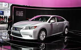 lexus es es 2013 lexus es 350 and es 300h first look motor trend