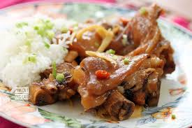 cuisiner des pieds de cochon pied de cochon à la pomme et au gingembre piment oiseau