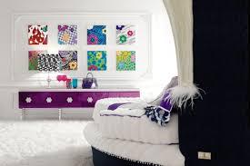 beautiful bedroom design using wall pop art decoration combine