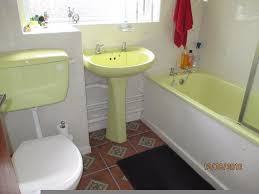 yellow bathroom suite pressed steel bath very good cond inc