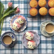 hello kitty cupcakes annabel karmel