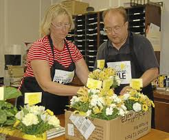 flowers to deliver prebyterian church neal and jean s flowers deliver smiles