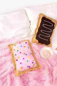 diy no sew pop tart pillow crafts projects i gotta make