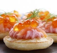 canapé tarama blinis cocktail saumon fumé oeufs de saumon et tarama gargantua