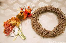 sew can do the 10 10 minutes diy fall wreath