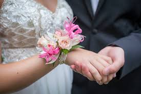 ideas for your prom flower arrangements