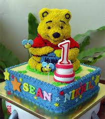 winnie the pooh cakes winnie the pooh cakes and cupcakes kids birthday
