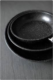 cuisine à la poele en espace cuisine professionnel