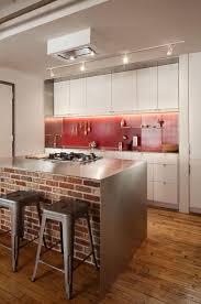 briques cuisine la brique élément déco principal du loft contemporain