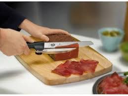 couteaux victorinox cuisine couteau à trancher dux victorinox avec guide tranche saucisson