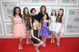 nia dance moms girls 2015 is maddie ziegler friends with the dance moms girls the intense