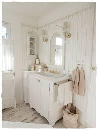 Wohnzimmerm El 30er Jahre Bathroom Shabby Chic And White Bathroom Pinterest Badezimmer