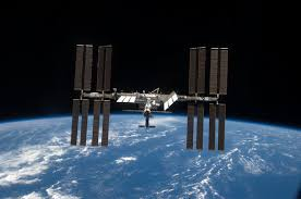how fast does the space station travel images How many manmade satellites can you see with the naked eye jpg