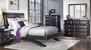 Black Platform Bed Queen Belcourt Black 5 Pc Queen Platform Bedroom Queen Bedroom Sets Colors