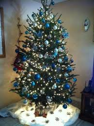 Pearl Christmas Tree Decorations by White Christmas Tree With Blue And Silver Decorations U2013 Happy