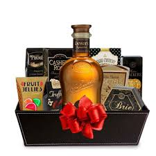 scotch gift basket buy dewar s signature scotch whisky gift baskets online scotch gift
